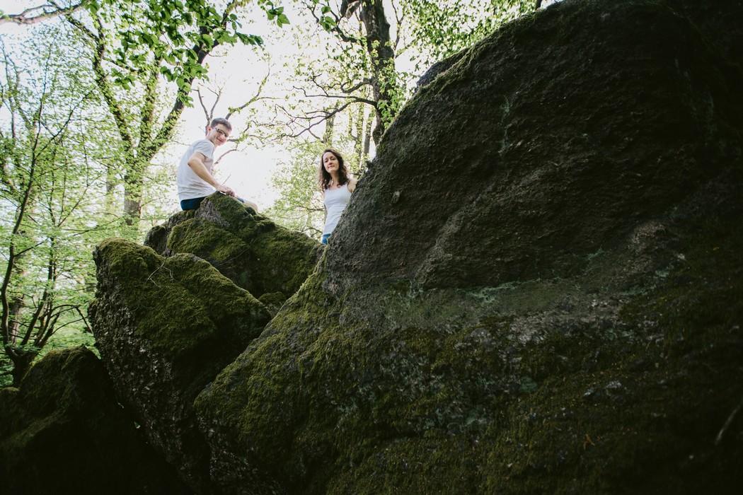 Snoubenci mezi skalami