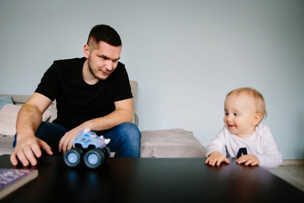Tatínek si hraje se synkem