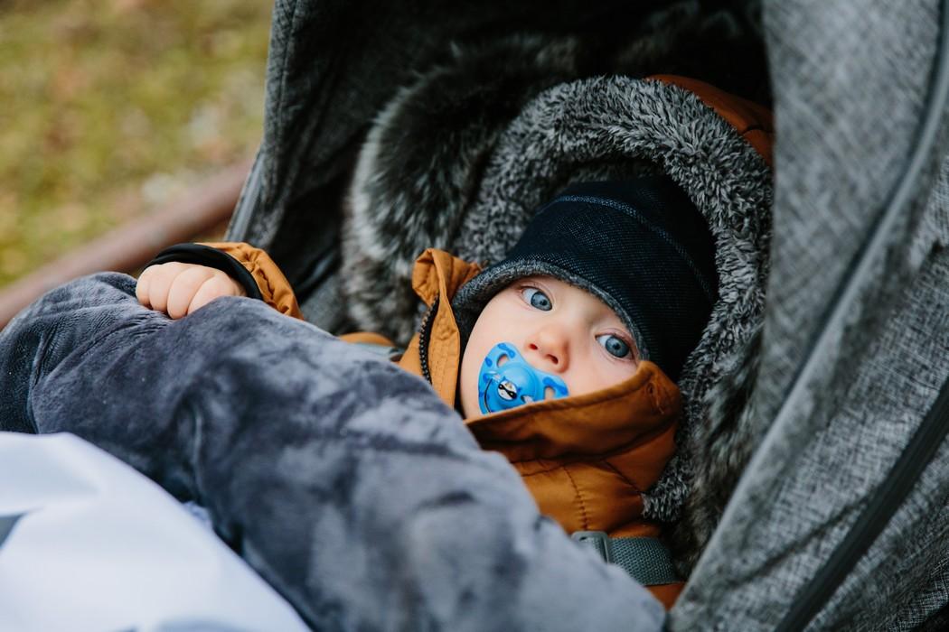 dítě v kočárku