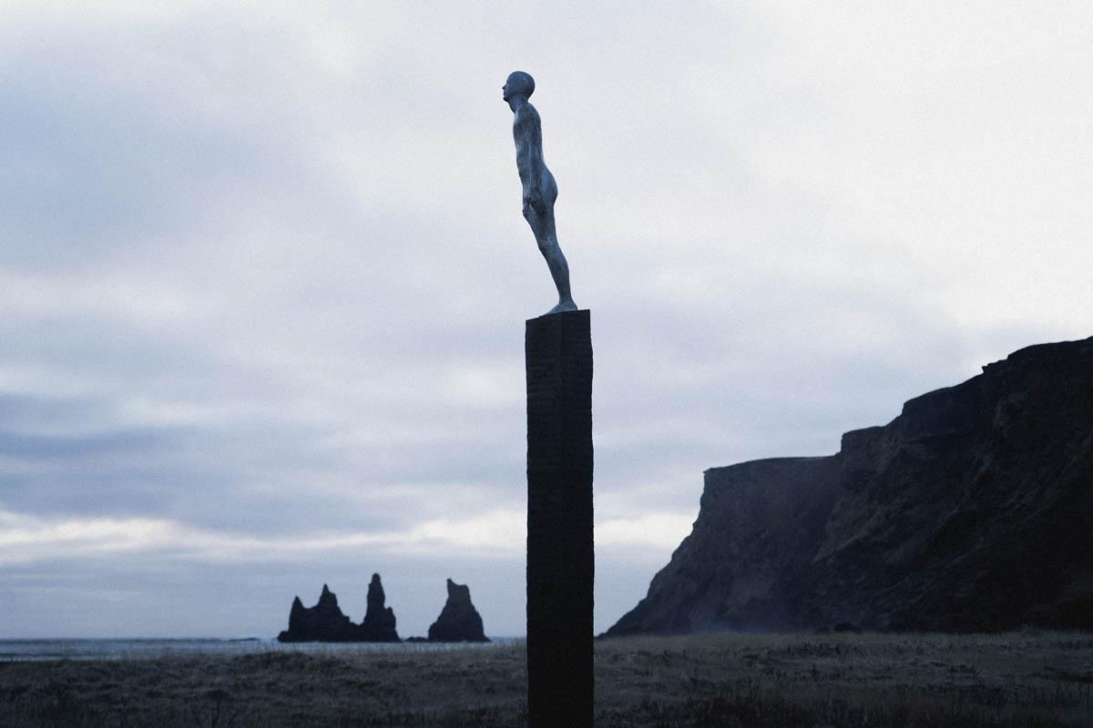 socha v měste vík na islandu